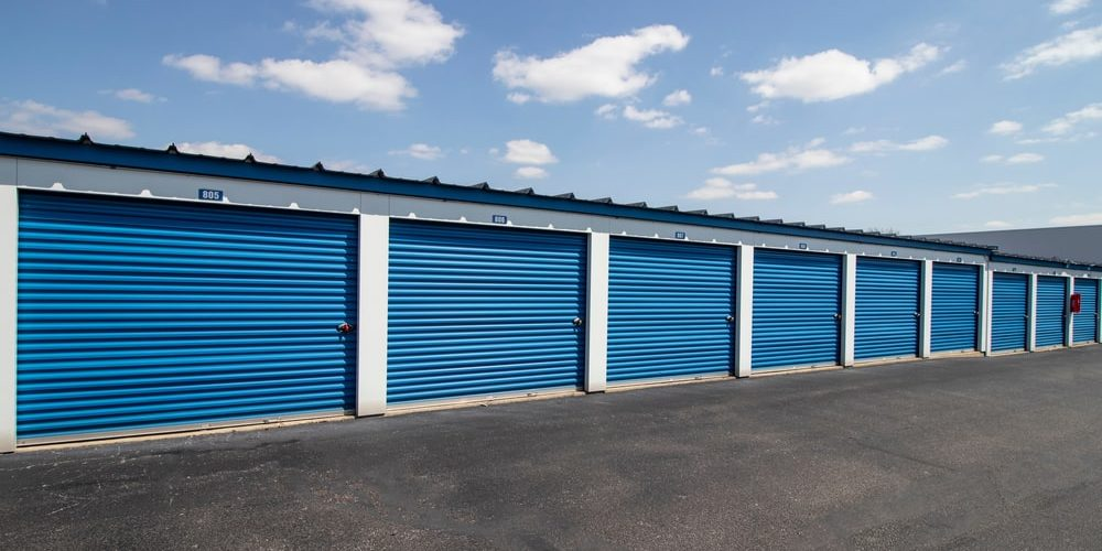 Row of storage units for storage unit clean outs
